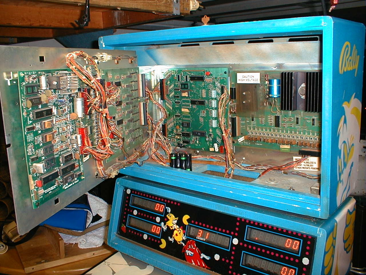 Picture of a pinball and internal electronics